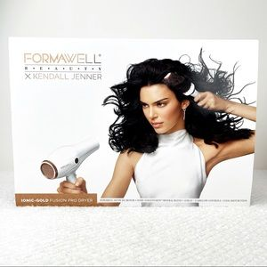 FORMAWELL BEAUTY  X  KENDALL JENNER HAIR DRYER